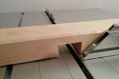 Seitenpfosten des Vorratregals mit 38mm breiter und 20mm tiefer Nut.